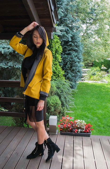Damska kurtka w kolorze musztardowym